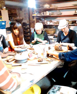 グループでも楽しい陶芸教室